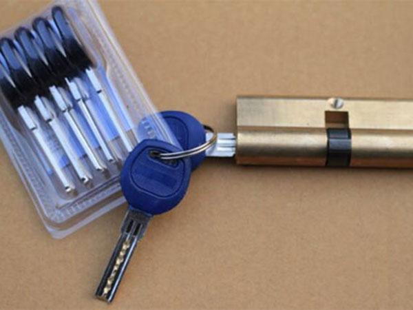烟台修锁换锁芯多少钱